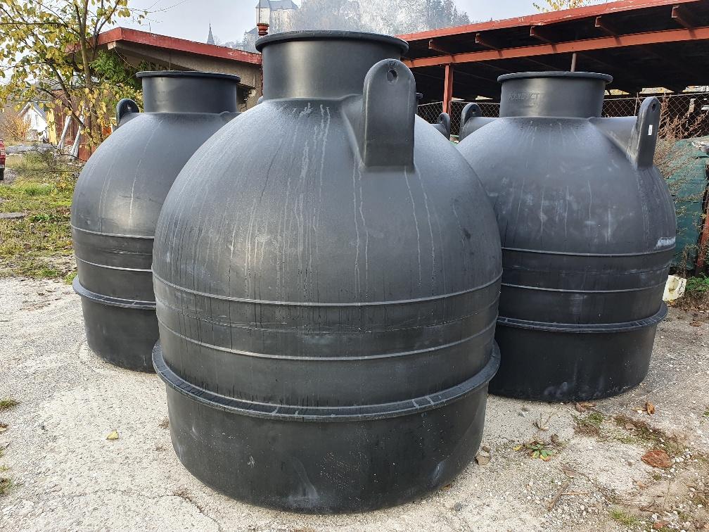 3000 litrová nádrž